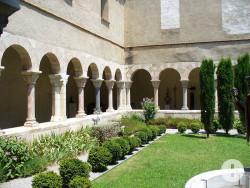 Kreuzgang im Kloster von St. Genis des Fontaines